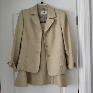 Le Suit tan cream beige blazer + pencil skirt 8P